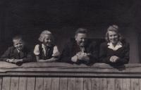 Jaroslava with the parents
