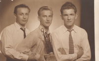 Ä brother, Jan Liška (right), and Alexandr Bělohlávek (in the middle) during the studies (in1947 or1948)