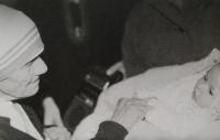 Mother Theresa visiting Praha in 1984, gives blessing to Světluše Košíčková´s daughter