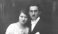 Parents Karel and Anna Šiks in 1925
