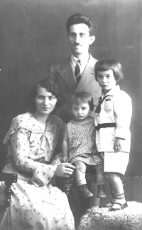 Family Šiks, children Jitřenka and Lubomír around 1930