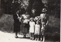 Rodina pamětnice, rok 1951