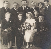 Witness´ photo with family members on July 18, 1953
