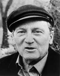 Sergej Machonin (*1918) was born in Moscow. Apart from his translation work he was also a literary and theatre critic.