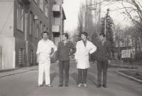 Fotografie z vojny, Stanislav Duchek druhý zprava. 1982