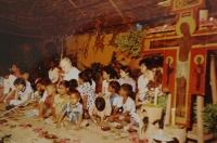 Světluše Košíčková at Taizé congregation in Madras, India, in 1986; with Brother Roger