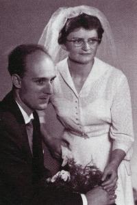 Wedding photo of Milan and Anna Báchorek in 1967