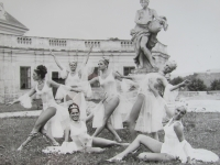 Ballerinas and dancers, whom the witness mediated through various engagements in 1960s