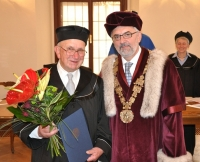 When awarded doctor honoris causa, with the rector of the Unversity of South Bohemia in České Budějovice Libor Grubhoffer (2013)
