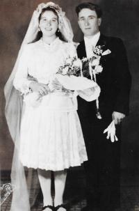 Ján´s parents wedding, 1945 Strážske