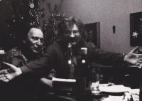 Sergej Machonin se svým přítelem a zakladatelem samizdatové edice Petice, Ludvíkem Vaculíkem