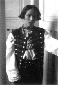 Sergej Machonin někdy na přelomu dvacátých a třicátých let, kdy působil v ochotnickém souboru Tyl v Prostějově. Foto - Databáze českého amatérského divadla