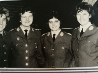 Eliška Bočková s kolegyněmi