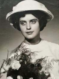 Svatební fotka Elišky Bočkové 1962