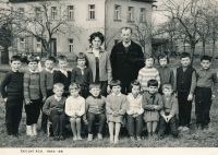 Josef Baxa as a first grader (fourth from the left, standing)