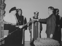 Milan Tichák při promoci v roce 1969