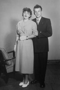 Milan a Milena Tichákovi na svatební fotografii v roce 1955