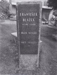 K odhalení pamětní desky Františka Blažka došlo v roce 2002