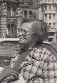 Matka Marie Ledererová-Jelínková, Liberec, 1972