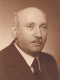 Robert Benda, Praha (Langhans), říjen 1940