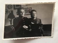 Uniformed Lázló Regéczy-Nagy with wife