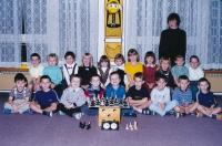 Květa Eretová a dětští absolventi šachového kroužku v MŠ, 2000