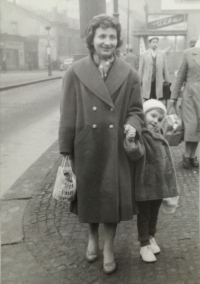 Marie Dubská with her daughter in the 50s