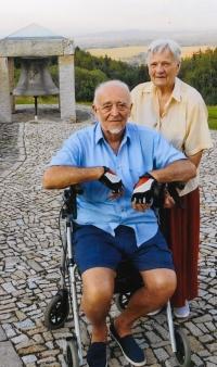 Mrs. Housková and Mr. Houska, Hojná voda. 2018
