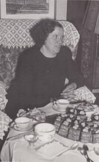 Maminka Emílie Blažková