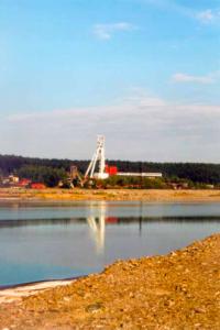 Pohled na Důl R II přes odkaliště K I