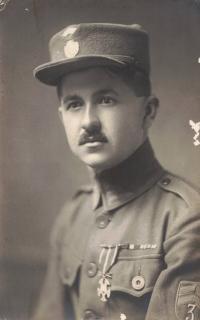 Dědeček Antonín Šesták jako ruský legionář, Praha asi 1920