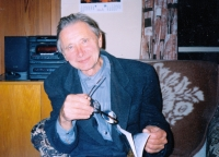 Karel Pexidr at home; 1995
