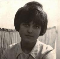 Dana Paulová, dobová portrétní fotografie, Praha 1967
