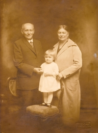 With grandparents Johns in 1926