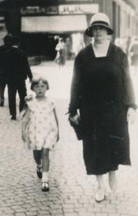 With aunt Anna Hrdá née Johnová around 1929