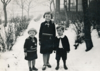 Hana Truncová with her sister Margita and cousin Antonín in 1934
