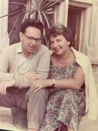so slovenským manželom Alexandrom