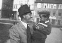 Jiří Fráňa with his father Milan in 1949
