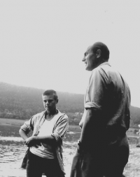 Jiří Fráňa with his father Milan in 1960 after he was released from prison