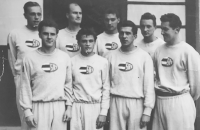 Milan Fráňa, second from the left in the second row, with Sokol Brno 1 basketball team