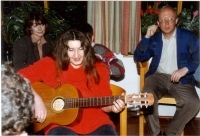 Exile meeting in Franken in September 1989. From left, Eva Steigerová (a wife of a caricaturist, Ivan Steiger), Jana Schulzová (a wife of Milan Schulz, fellow witness from Free Europe), sang and played by Dáša Vokatá