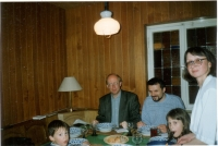At the Kuhnl in Munich, Charles, Daniela and children, about 1990