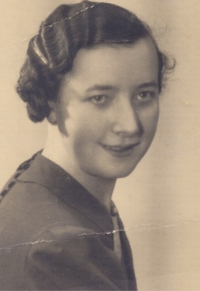 His mother Marie in 1939