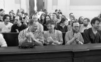 Jiří Valoch v publiku přednášky Josefa Daňka, klášter Plasy, 1998