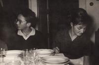 ZB se sestrou Evou Blažíčkovou, cca 1964