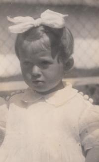 Malá Bohumila Jindrová in 1938