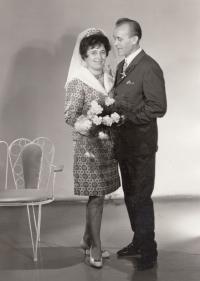 Wedding photo of Bohumil and Miloš Jindra of 1968