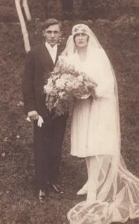 Wedding photo of the parents, Bohumil Bobál (*1908) and Marie, née Kubínová (*1911) in 1930