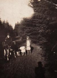 S bratrem, Hošťálková, kolem roku 1939