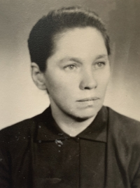 Paulína Dubeňová about 23 years old shortly after the end of World War II